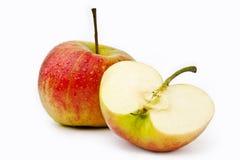 Pommes fraîches sur un fond blanc images stock