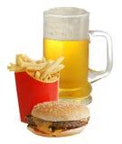 Pommes frites et bière de cheeseburger Image stock