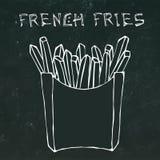 Pommes-Frites im Papierkasten Fried Potato Fast Food in einem Paket Realistische Hand gezeichnete Gekritzel-Art-Skizze Vektor Stockfoto