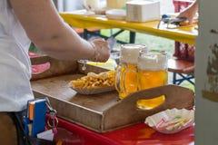 pommes frites ketchup et bière Photographie stock
