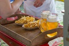 pommes frites ketchup et bière Photo stock