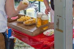 pommes frites ketchup et bière Photos stock