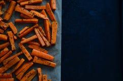 Pommes-Friteskarotten gepasst lizenzfreie stockbilder