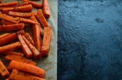 Pommes-Friteskarotten gepasst lizenzfreies stockbild
