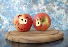Pommes heureuses Images libres de droits