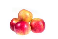 Pommes mûres et juteuses sur un fond blanc Régime de vitamine pour la perte de poids Photo libre de droits