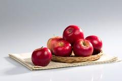 Pommes rouges Photos stock