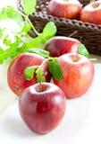 Pommes rouges fraîches Images libres de droits