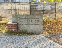 Pomnik przy ścianą pamiętać pierwszy zabił osoby Guenthe Obrazy Royalty Free