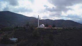 Pomnika krzyż na szczycie w Cypr w Troodos górach zdjęcie wideo