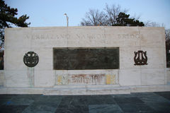 Pomnika znak przy Verrazano przesmyków mostem Fotografia Royalty Free