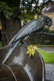 Pomnikowi tułaczy cyrkowi artyści Wczesny dżdżysty ranek obraz stock