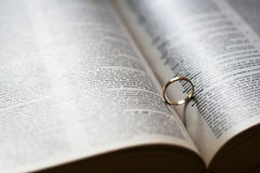 pomocniczy serce ringu ślub Zdjęcie Royalty Free