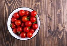 Pomodori ciliegia sparati da sopra Fotografia Stock