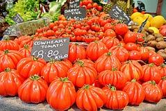 Pomodori di Cowheart fotografia stock