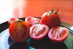Pomodori freschi, taglio fresco dei pomodori Fotografie Stock