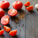 Pomodori maturi sugosi Immagini Stock