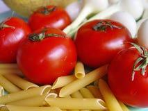 Pomodori, pasta, cipolla Fotografia Stock
