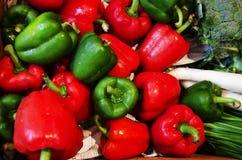 Pomodori rossi e verdi immagine stock libera da diritti