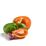 Pomodoro, basilico ed aglio fotografie stock libere da diritti