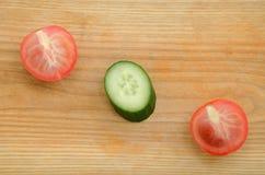 Pomodoro del cetriolo degli ortaggi freschi Immagini Stock