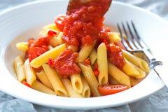 Pomodoro di bianco della pasta Immagine Stock