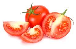 Pomodoro fresco isolato su priorità bassa bianca Fine in su immagini stock