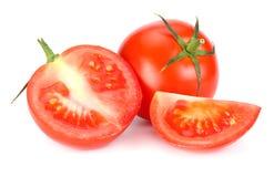 Pomodoro fresco isolato su priorità bassa bianca Fine in su fotografie stock libere da diritti