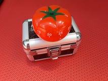 Pomodoro zegar - machinalny pomidor kształtował kuchennego zegar dla gotować lub studiować obrazy stock
