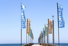 Pomotional sztandary na Pustym molu na północy plaży Zdjęcie Stock