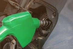 Pompa del carburante con benzina fotografia stock