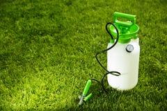Pompa del giardino di pressione Immagini Stock Libere da Diritti