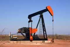 Pompa del pozzo di petrolio Immagini Stock