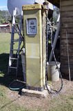 Pompa della benzina dell'annata. Fotografia Stock Libera da Diritti