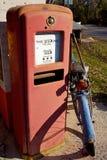 Pompa di benzina dell'annata immagine stock