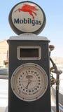 Pompa di gas antica Immagine Stock