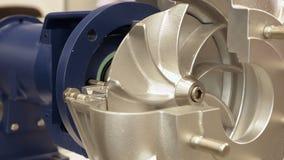 Pompa elettrica della turbina del rotore per acqua o liquido archivi video
