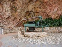Pompa idraulica a Mijas nelle montagne sopra Costa del Sol in Spagna Immagine Stock