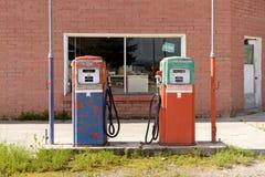 Pompe à essence abandonnée image libre de droits