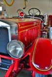 Pompe à incendie rouge photographie stock libre de droits