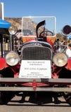 Pompe à incendie 1931 suburbaine d'ouvrier chargé des pompes de 500 gal/mn de Seagrave de rouge Photos stock