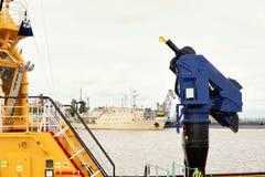 Pompe à incendie sur le bateau de délivrance Images libres de droits