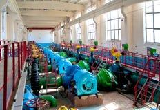 pompe électrique sur des raffineries Photo stock