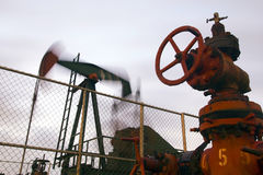 Pompe de pétrole photo stock