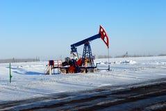 Pompe de pétrole noire Photo stock