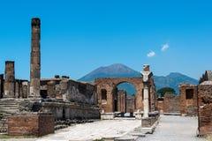 Pompei ed il Vesuvio Immagini Stock Libere da Diritti