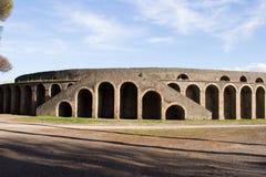 Pompei is een oude die stad in ADVERTENTIE 79 wordt begraven van de uitbarsting van de Vesuvius stock afbeelding