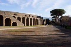 Pompei is een oude die stad in ADVERTENTIE 79 wordt begraven van de uitbarsting van de Vesuvius stock foto