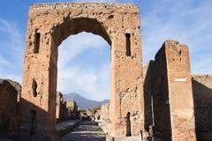 Pompei is een oude die stad in ADVERTENTIE 79 wordt begraven van de uitbarsting van de Vesuvius royalty-vrije stock afbeeldingen