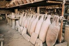 Pompeii, Italie Objets façonnés dans le grenier de Pompeii images libres de droits